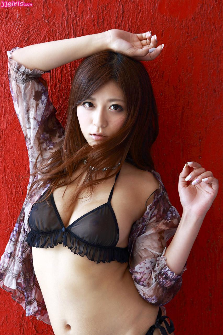haruki-sato bra JapaneseThumbs
