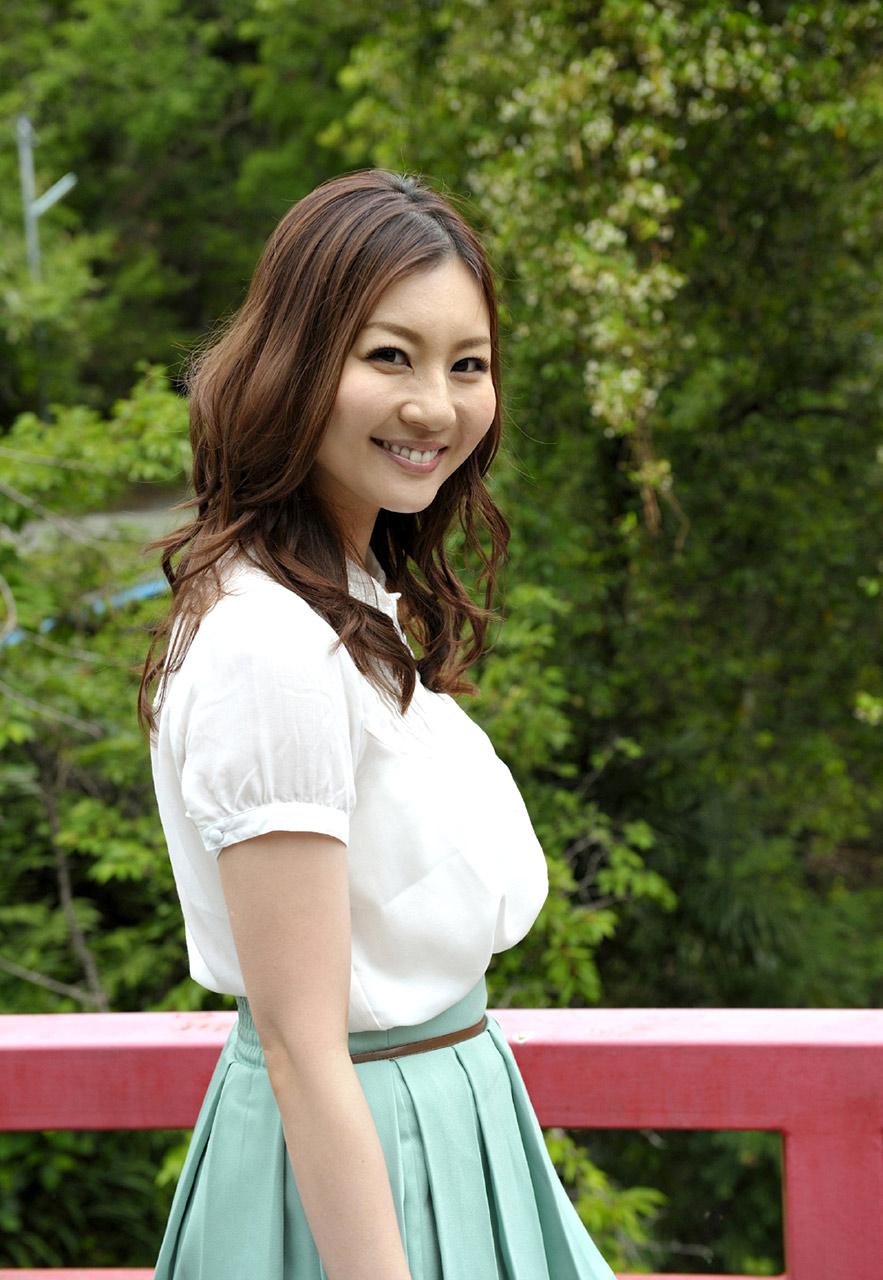 Vorausschauende und liebevolle Yui Tatsumi